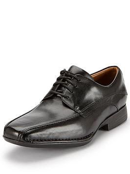 clarks-francis-air-formal-lace-up