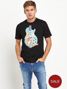 joe-browns-pin-up-guitar-mens-t-shirt