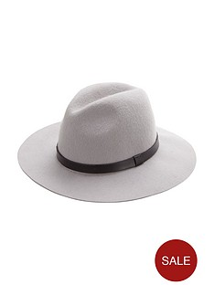 miss-selfridge-felt-fedora