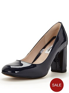 clarks-gabriel-mist-navy-leather-court-shoe