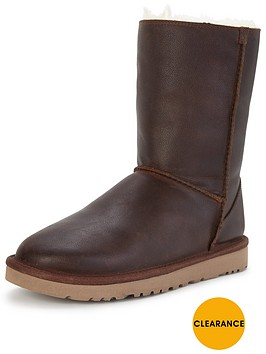 ugg-classic-short-leather-zip