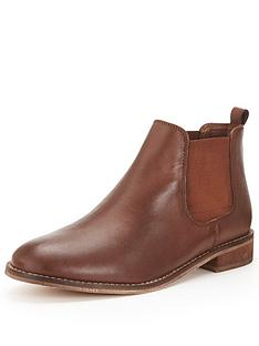 shoe-box-edury-flat-leather-chelsea-boot