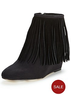 shoe-box-pnelson-wedge-fringed-bootp
