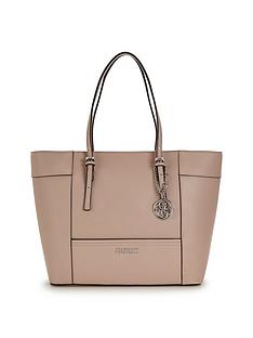 guess-delaney-shopper