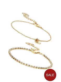 johnny-loves-rosie-heart-bracelet-cracker