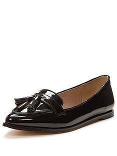 carvela-magnum-pointed-tassel-loafer