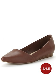 oasis-penelope-pointed-low-wedge