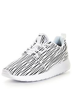 nike-roshe-one-eng-lifestyle-shoes-monochrome
