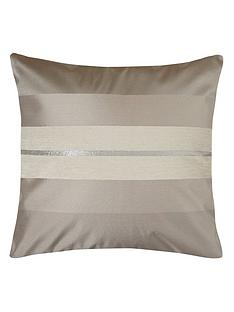 queen-jacquard-cushion