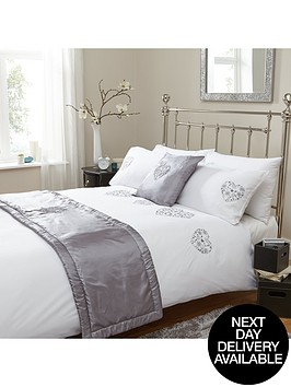 all-heart-bed-in-a-bag-in-double-and-king-sizes-greywhite