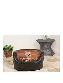 black-basketweave-tub-bed
