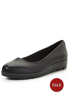 clarks-evie-buzz-shoes