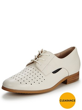 clarks-hotel-molly-shoes