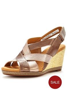 clarks-helio-coral-sandal