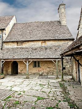 virgin-experience-days-downton-abbey-town-and-country-filming-locations-tour