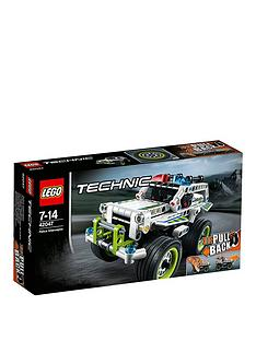 lego-technic-police-interceptor-42047