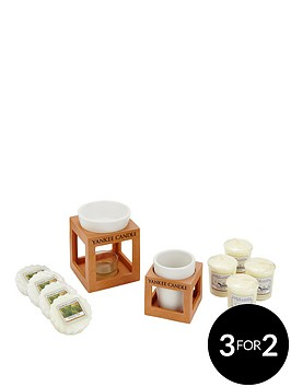 yankee-candle-4-votives-and-4-wax-melts-with-holder-and-melt-warmer