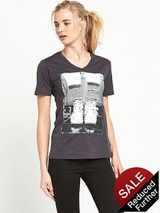 converse-photo-chuck-boyfriend-fit-t-shirt