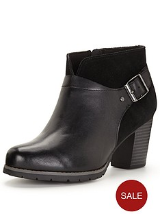 clarks-pause-cheer-ankle-boot