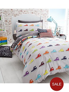 catherine-lansfield-sneakers-double-duvet-cover-set
