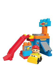 megabloks-first-builders-spin-n-go-garage