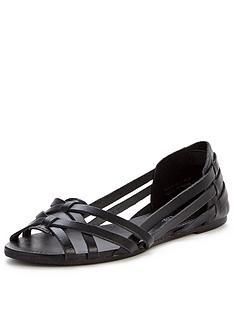 miss-selfridge-repeat-black-eastern-shoe
