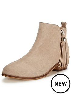 miss-selfridge-miss-selfridgetassle-trim-ankle-boot