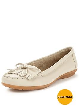 hush-puppies-ceil-moccasin-shoe