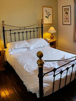 virgin-experience-days-two-night-cotswolds-break-for-two-at-the-white-hart-inn