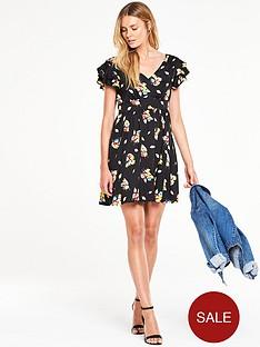 v-by-very-ruffle-sleeve-printed-tea-dress