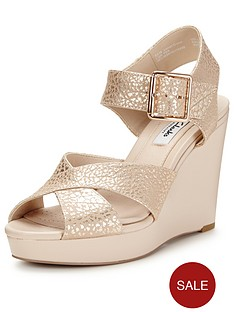 clarks-lonan-grace-sandals
