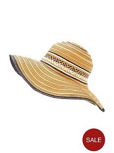 glamorous-floppy-summer-hat