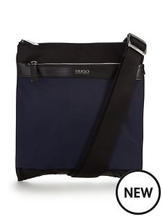 hugo-boss-contrast-pouch