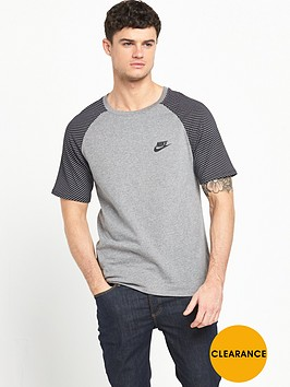 nike-raglan-t-shirt