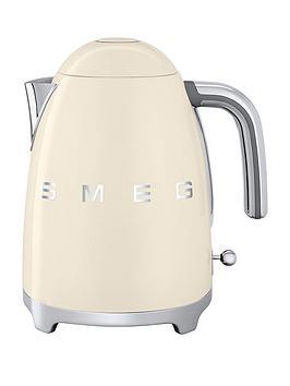 smeg-kettle-cream