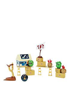 angry-birds-attack-on-pig-island-set