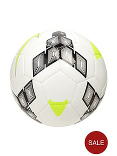nike-team-strike-football