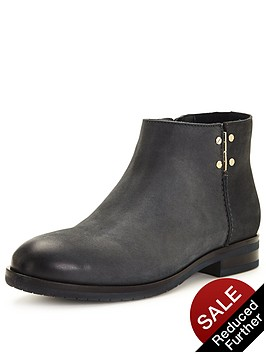 tommy-hilfiger-berry-leather-ankle-boot