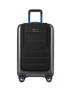 bluesmart-connected-cabin-case-with-gps-tracking