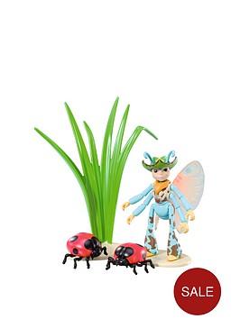 tree-fu-tom-ariela-with-ladybirds