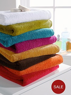 christy-revive-towel-range