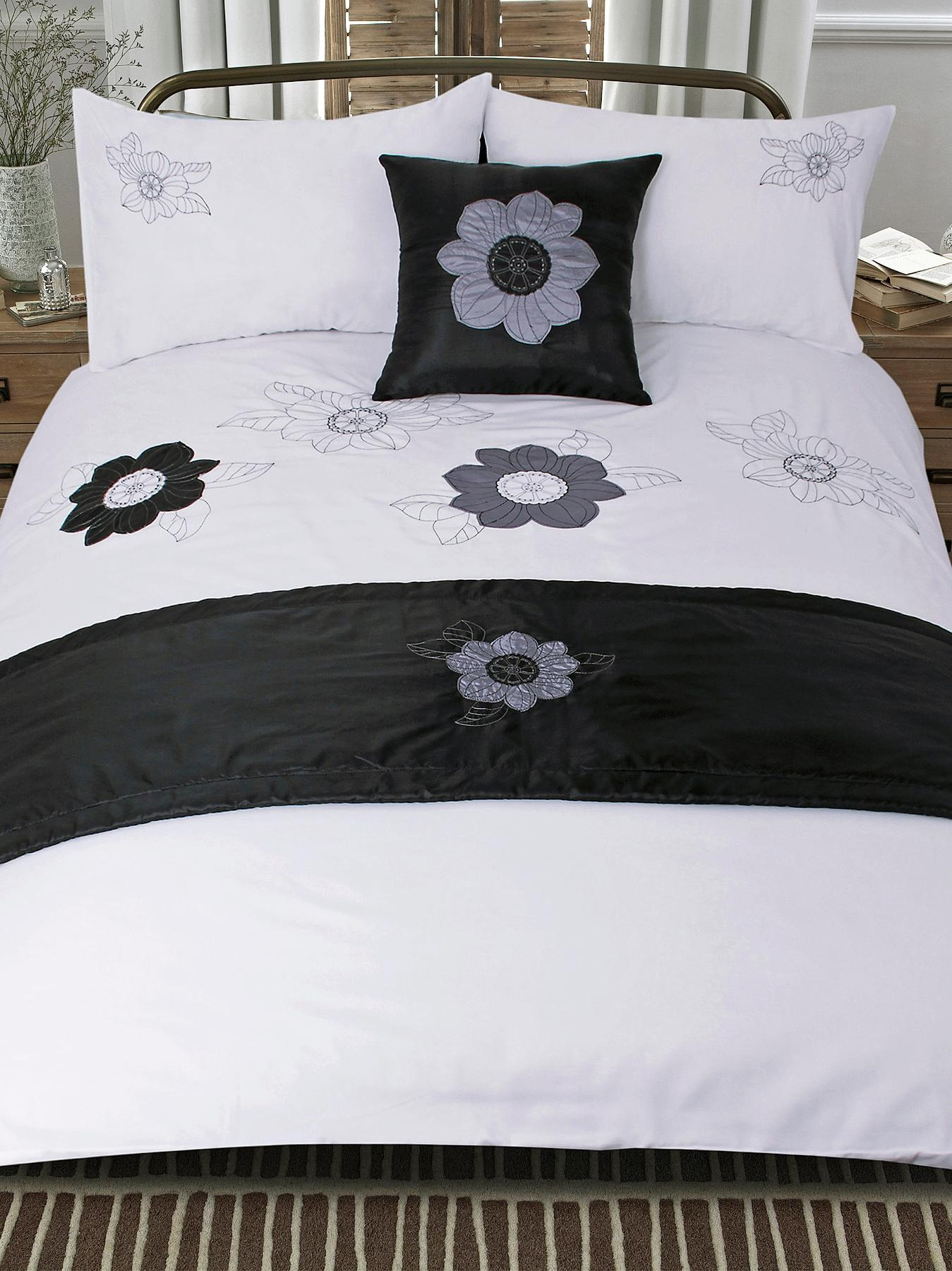 Floral Applique Bed in a Bag, Black