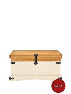 corona-painted-single-trunk