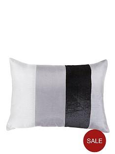 velvet-panel-cushion