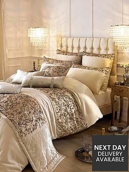 kylie-minogue-alexa-housewife-pillowcase