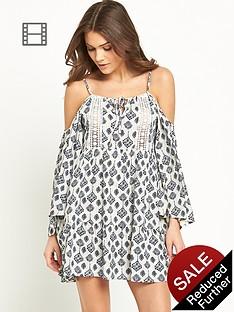 glamorous-open-shoulder-dress