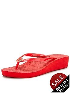 tommy-hilfiger-mona-rubber-flip-flops