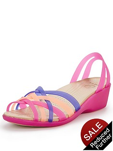 crocs-huarache-mini-wedge-sandals