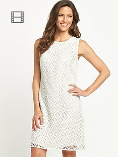 savoir-broiderie-lace-dress