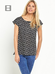 south-printed-split-back-cuff-t-shirt